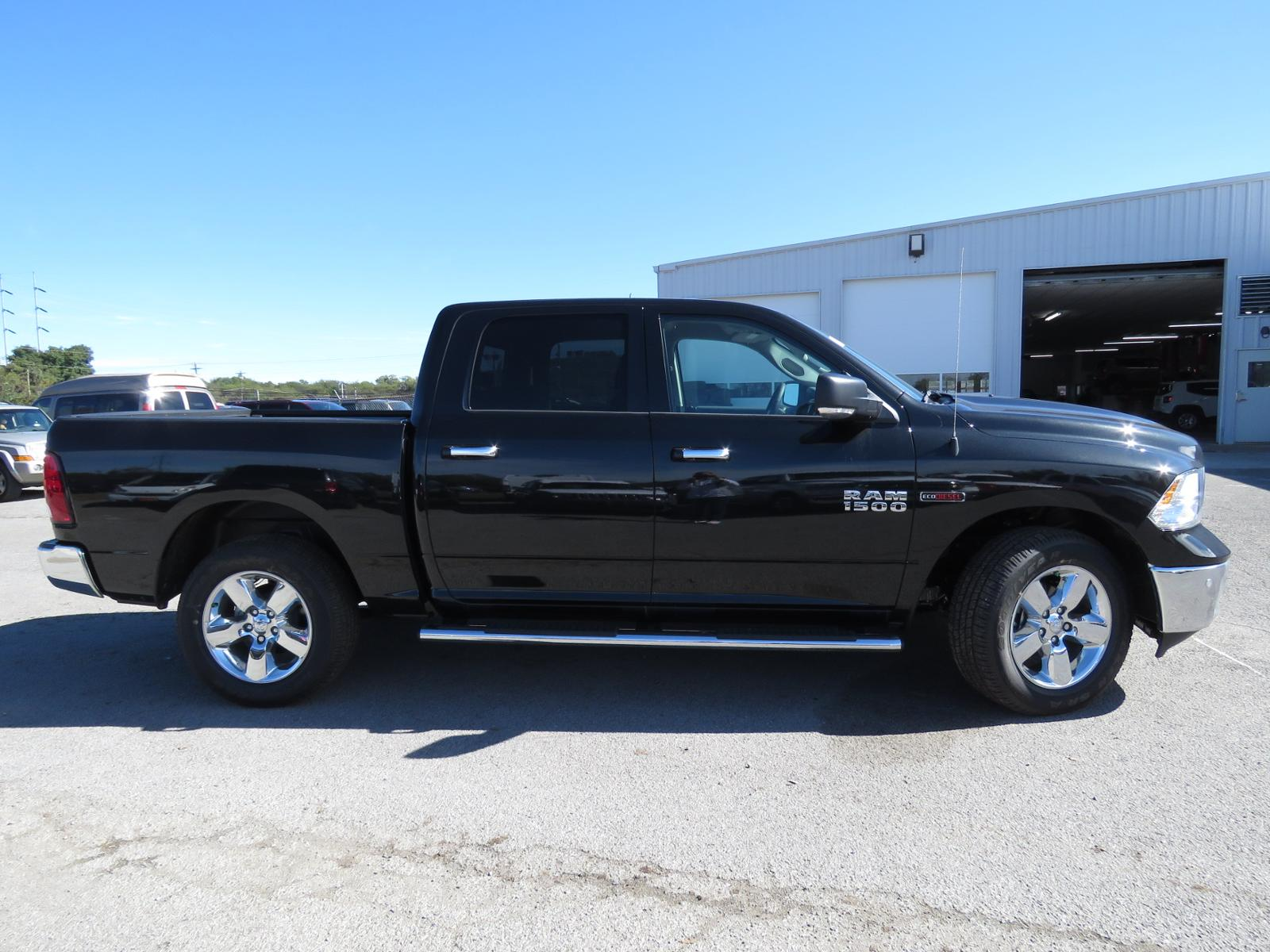 2017 Dodge Ram >> New 2017 Ram 1500 Big Horn Crew Cab 4x4 5 7 Box