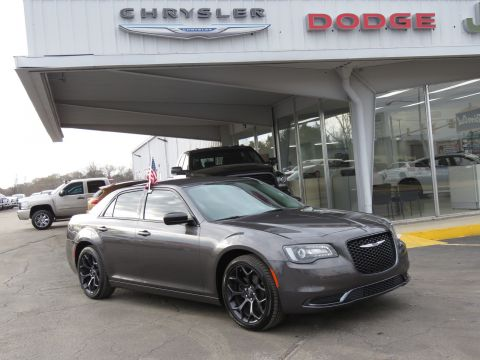 Certified Pre-Owned 2019 Chrysler 300 Touring